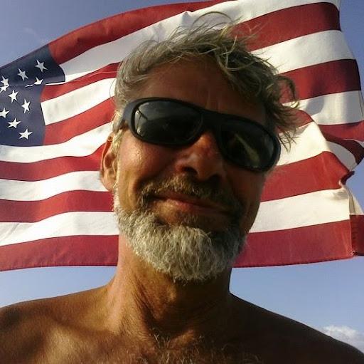 user Lee Shepard apkdeer profile image