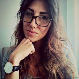 user Lucia Machi apkdeer profile image