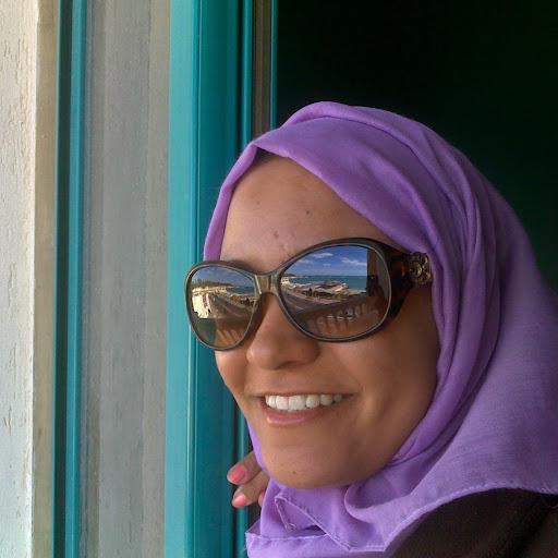 user Noura Yousri apkdeer profile image