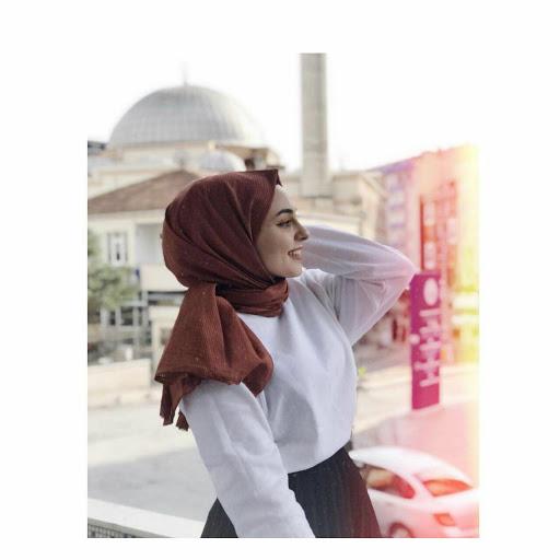 user Hadeel .s apkdeer profile image