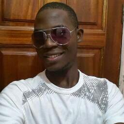 user Lloyd Lawrence apkdeer profile image