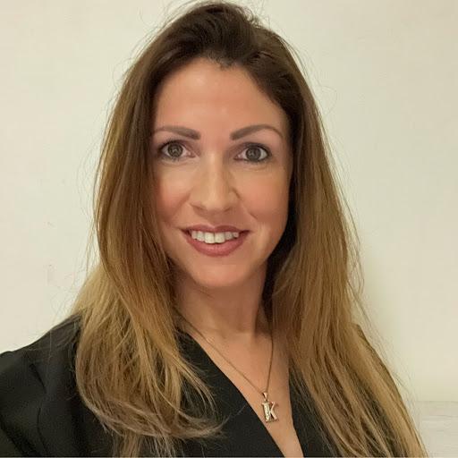 Klaudia K's avatar