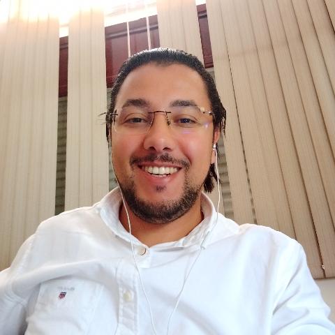 user Abdelouahed Elhiloufi apkdeer profile image