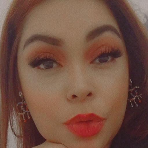 user Gabriela 10 apkdeer profile image