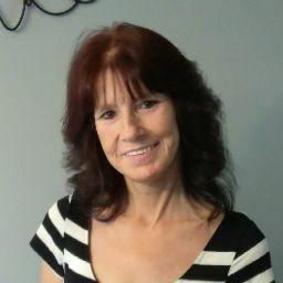 user Dawn Petrus apkdeer profile image