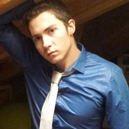 user Eduardo Armada apkdeer profile image
