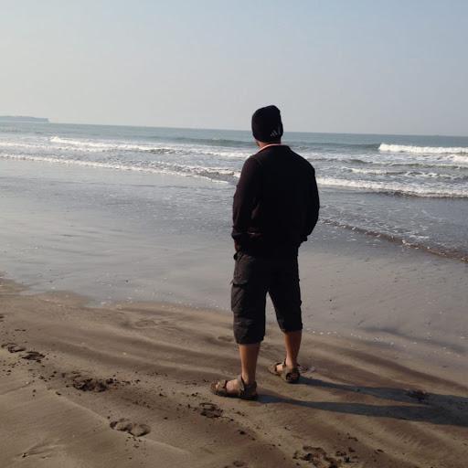 user Ravikiran Vetal apkdeer profile image