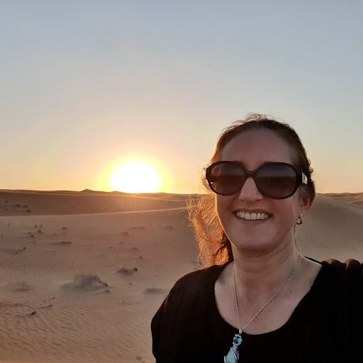 user Donna Sharp apkdeer profile image