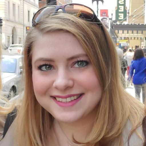 user Chelsea Grindstaff apkdeer profile image