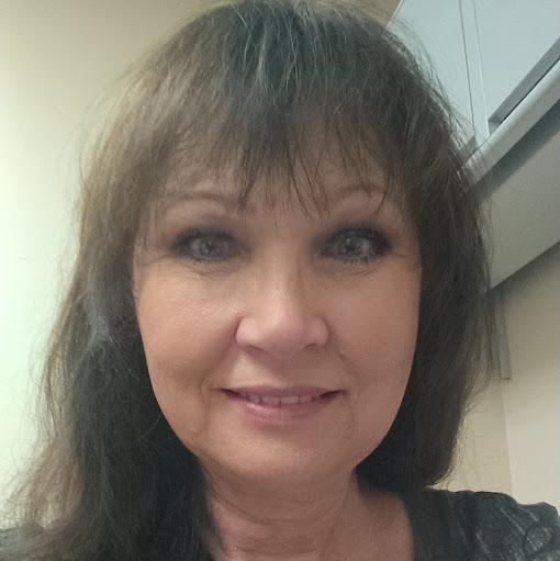 user Deborah Wheeler apkdeer profile image