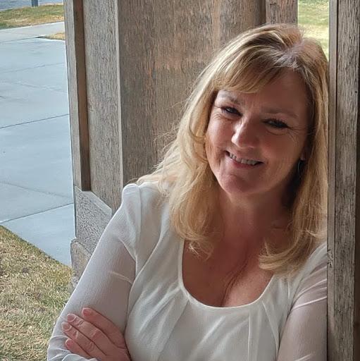 user Mardi Henderson apkdeer profile image