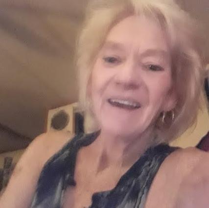 user Michele Terry apkdeer profile image