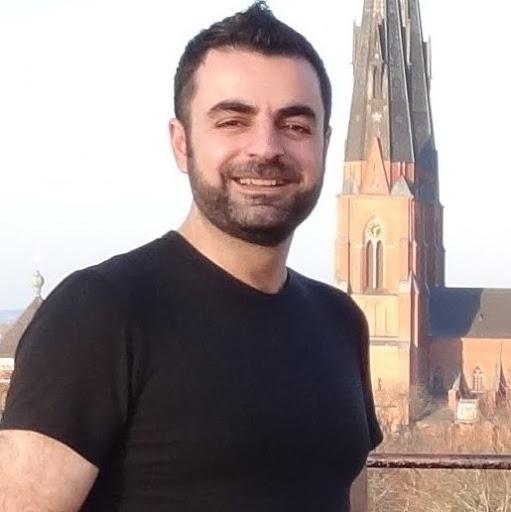 user Mr.Roman Lak apkdeer profile image