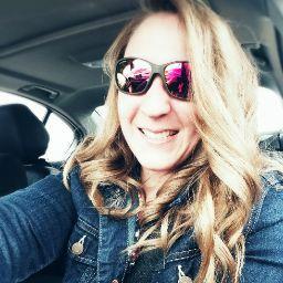 user Melanie Billmyer apkdeer profile image