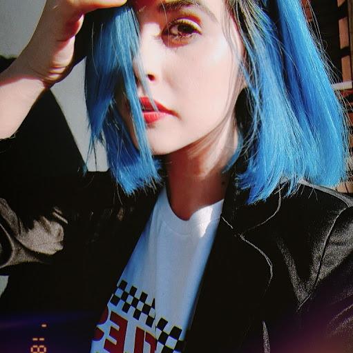 user Leana Hodges apkdeer profile image