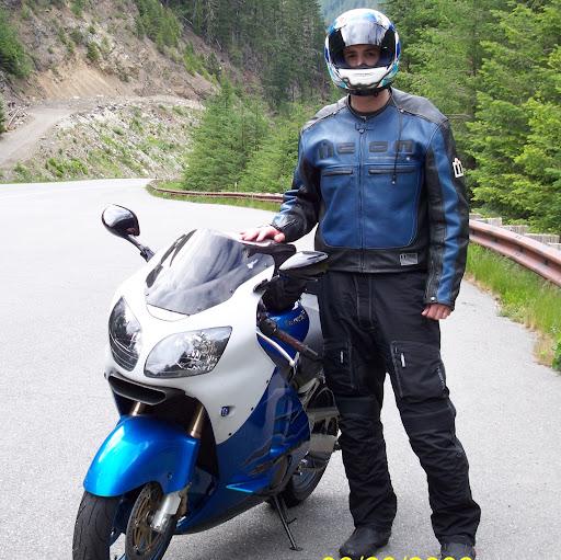 user Richard Fuller apkdeer profile image