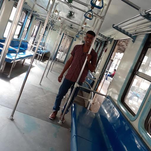 user Tharidu Dilruksha apkdeer profile image