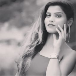 user Radhika Prajapati apkdeer profile image