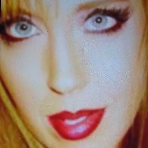 user Jeanne Brownell apkdeer profile image