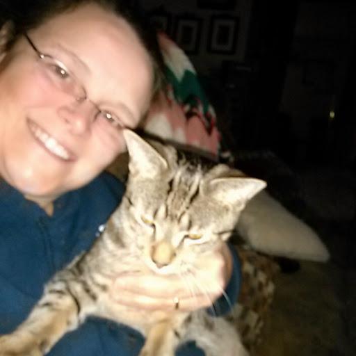 user Janet Spraut apkdeer profile image