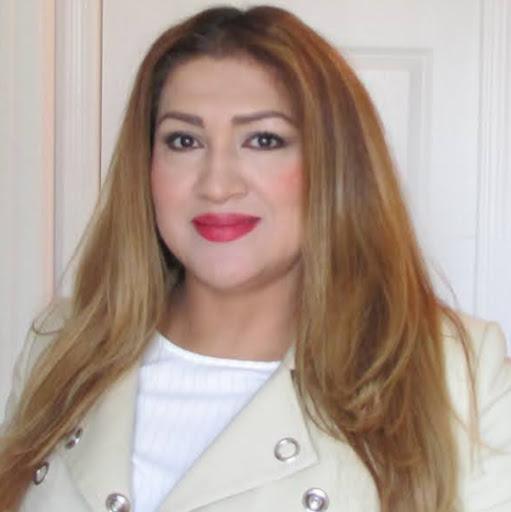user Patricia Espinoza apkdeer profile image