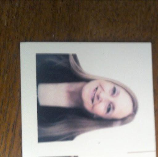 user Brenda Burton apkdeer profile image