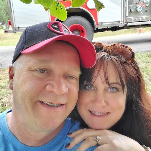 user George Traver apkdeer profile image