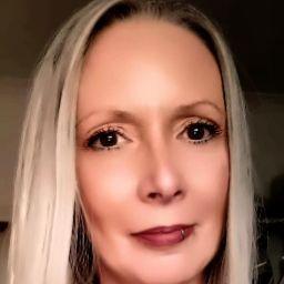 user Kathy Castagnini apkdeer profile image