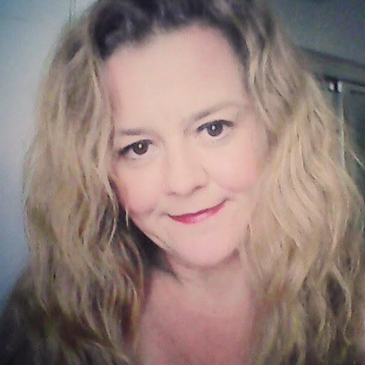 user Kimberly Underwood apkdeer profile image