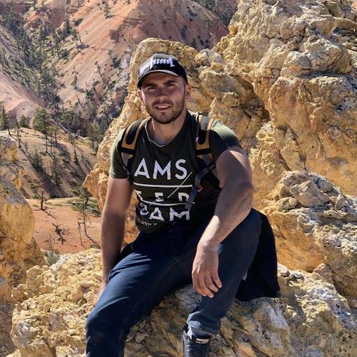 user Miqayel Simonyan apkdeer profile image
