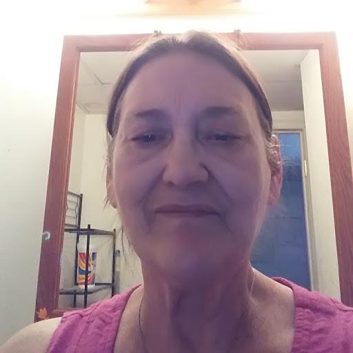 user Theresa Williams apkdeer profile image