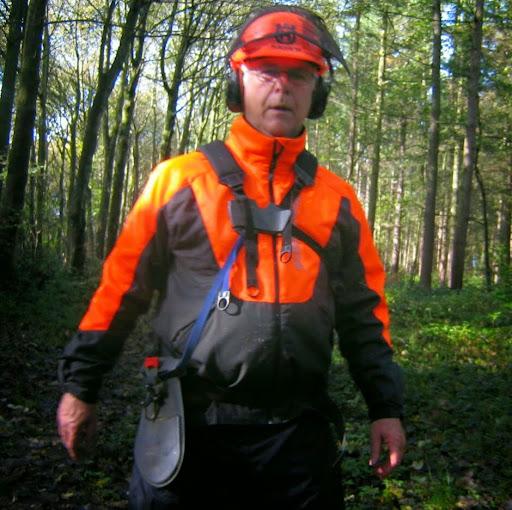 user Chris Snowdon apkdeer profile image