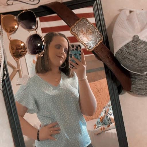 user Kortni Nelson apkdeer profile image