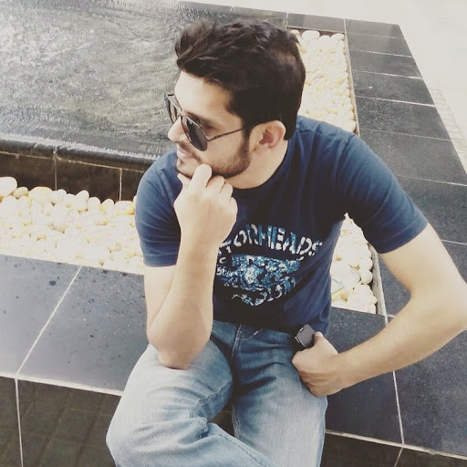 user Zeeshan Younis apkdeer profile image