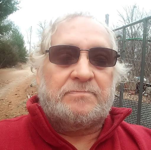 user Scott Holley apkdeer profile image