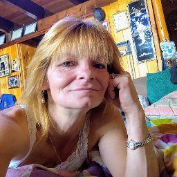 user Katrina Morton apkdeer profile image