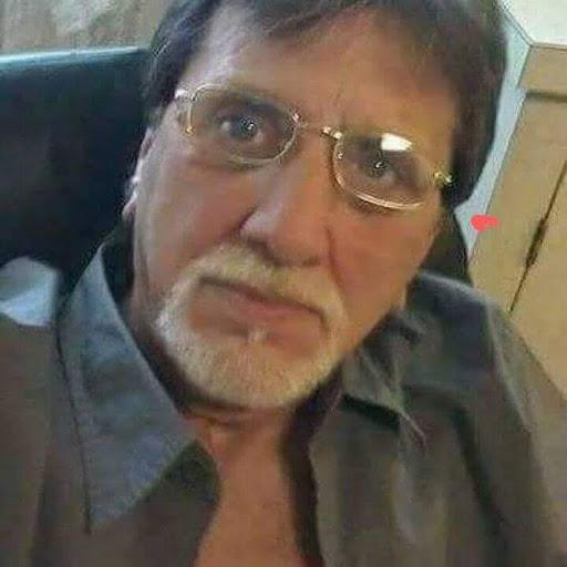 user Brent Ford apkdeer profile image