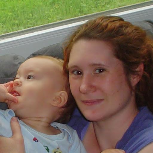 user Alisha Brunetti apkdeer profile image