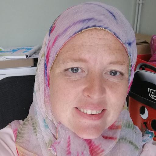 user Tanya Drammeh apkdeer profile image