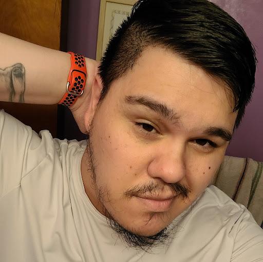 user Ryan Kam apkdeer profile image