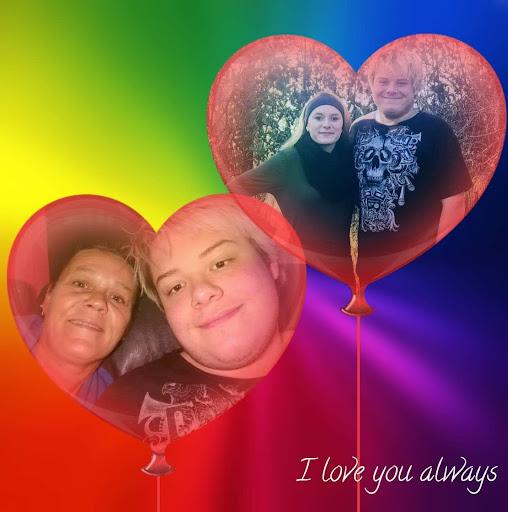 user April Pierce apkdeer profile image