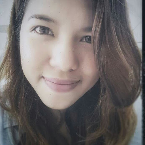 user Elle C apkdeer profile image