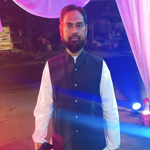 user Aliza Nawaz apkdeer profile image