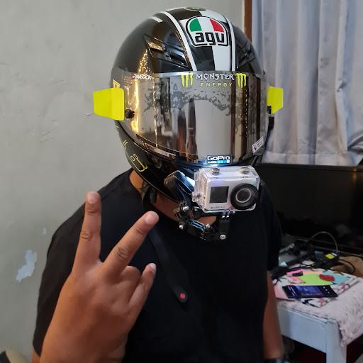 user Gabriel Andha apkdeer profile image