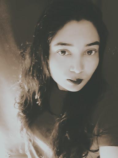 user Nuzuhath Ibrahim apkdeer profile image