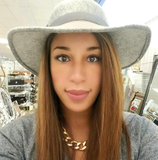 user Asia Chapman apkdeer profile image