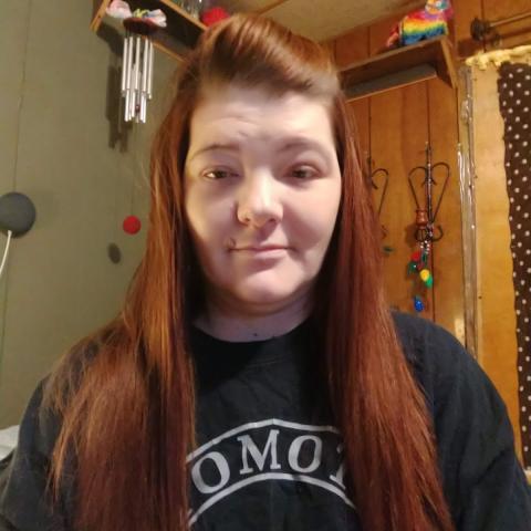 user Joleen Potter apkdeer profile image
