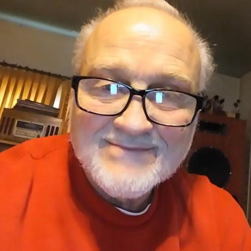 user James R Stewart apkdeer profile image