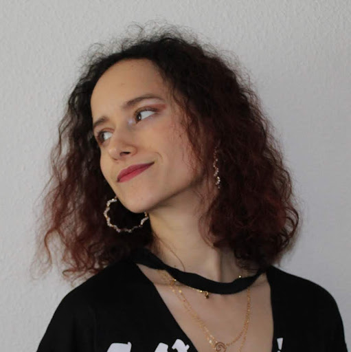user Ines Castle apkdeer profile image