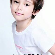 user Raymen Stedell apkdeer profile image